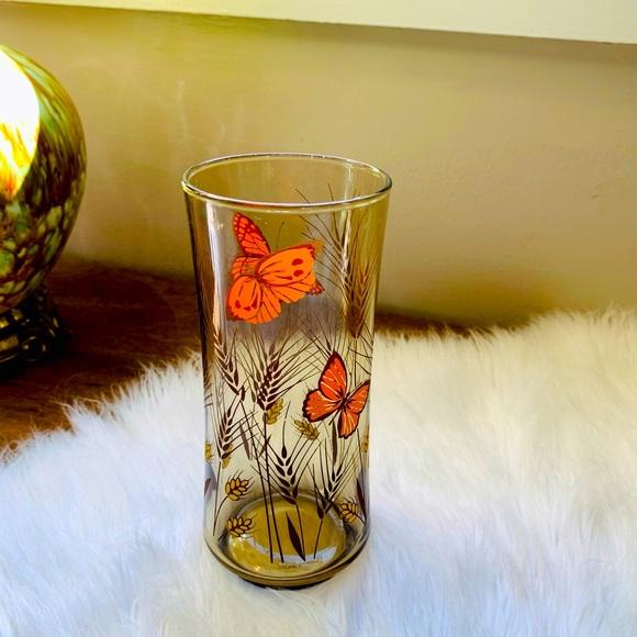 🦋2/$10 3/$15 4/$18 5/$20 Vintage Butterfly Glass